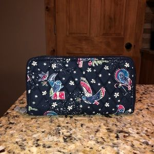 Vera Bradley RFID Georgia Wallet In Holiday Owls